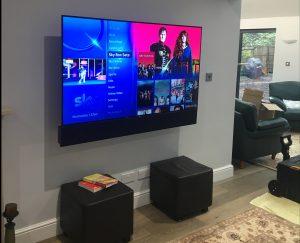 Stealthy Leon Audio LCR Soundbar Home cinema Setup